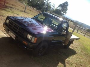 83 Hilux ute $2250 Harrisville Ipswich South Preview