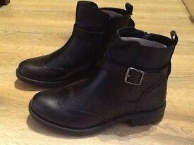 New fully leather older girls boots black. Uk 5 38 eu size. Unwanted xmas gift