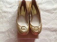 Genuine Michael Kors quilted gold Fulton pumps Size uk 4.5 -£40
