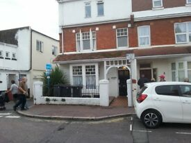 1 bed flat in a great location in paignton.