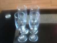 Champagne flutes (4)