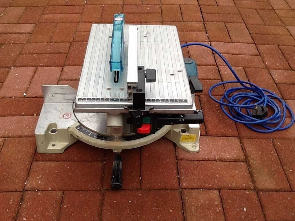 Makita lh1040 260mm mitre table saw in fettes edinburgh gumtree makita lh1040 260mm mitre table saw keyboard keysfo Choice Image