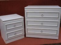 6 chests of drawers