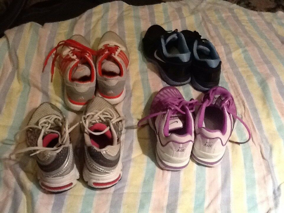 4 pairs ladies/ girls trainers Nike,adidas.