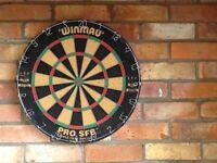 Dart board - Winmau pro sf8