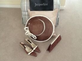 Jaques Vert 2 piece outfit with accessories.