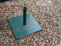 Metal garden umbrella stand suitable for large umbrella