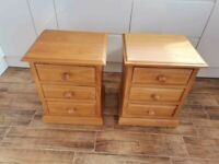 CAN DELIVER - PAIR OF SOLID PINE BEDSIDE CABINETS IN VERY GOOD CONDITION