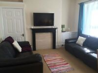 Spacious student bed room in 6 bed house 5 minutes from Plymouth University