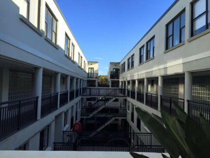 Roomshare near Central station, CBD, UTS, Sydney uni, Surryhills
