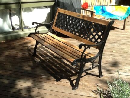 BERKELEY FORGE AND FOUNDRY   Wrought iron garden bench