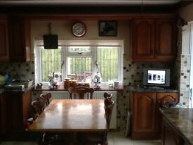 Cottage style Kitchen table with 6 chairs, real wood honey oak colour
