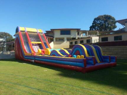 Xtreme Rush Obstacle course Bouncy Jumping Castle Hire Port Kennedy Rockingham Area Preview