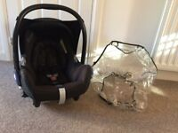 Maxi cosi car seat from birth and raincover