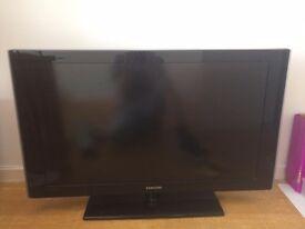 40 inches flatscreen tv