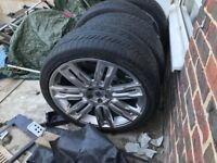 Land Rover tyres 235-35 R22