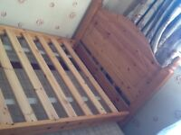 Single bed - 2 in one. 2nd single bed concealed beneath.