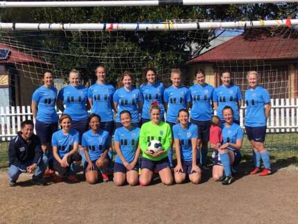 Wanted: Football (Soccer) players wanted for Women's Division 1/2 team