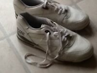UK size 10 and half Hi-Tec White Golf Shoes vgc and shoe bag