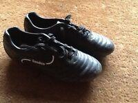 Kids sandico football boots