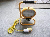110V Portable site work light, 500W bulb.
