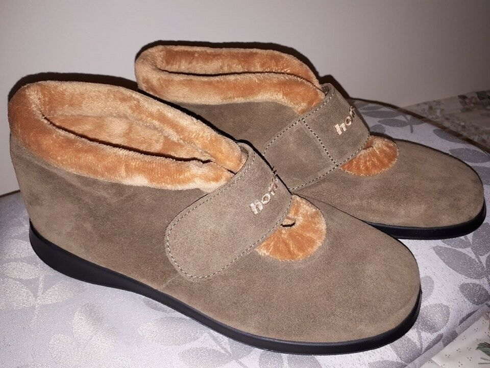 HOTTER LADIES WINTER SLIPPERS size UK8 £20