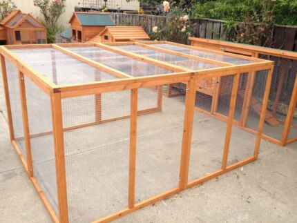 CHICKEN COOP AND RUN BRAND NEW IN BOX Skye Frankston Area Preview