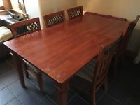 Solid Wood Dinning Room Table and Chairs