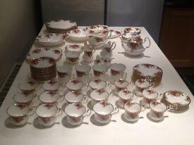 Royal Albert Dinner/Tea Service