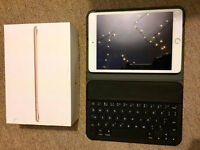 IPad mini 3 Gold, 64GB, WIFI. MINT condition, hardly used & Anker keyboard case
