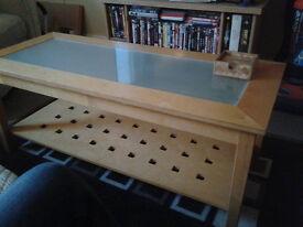 Coffe table. 107cm (L) x 45cm (W) x 43cm (H) + 6 Wooden coasters. Good conditions!