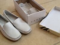 Not worn Oppus White moccasin size 41 leather
