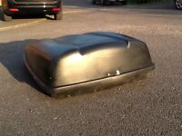 Roof Box Black Lockable - large black plastic car roof box, it is lockable and comes with keys.
