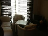 1 One Doble Bedroom unfurnished HOUSE > < NO DSS / NO AGY