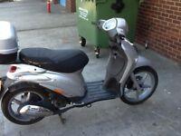 vespa piaggio liberty 125 twist and go scooter suzuki honda yamaha px wecome can deliver