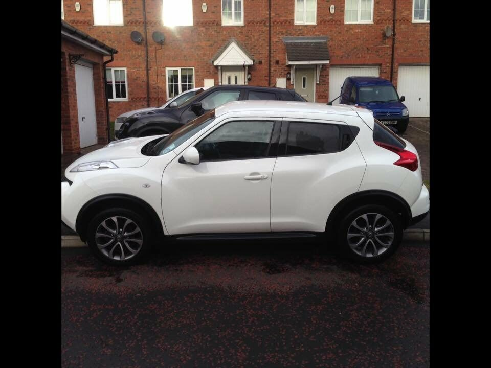 nissan juke 1 6 tekna 2013 white one owner excellent condition fdsh in hartlepool county. Black Bedroom Furniture Sets. Home Design Ideas
