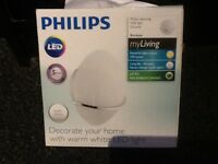 2 Philips LED wall lights