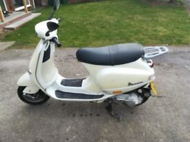 Vespa ET4 125cc SORN starts, but battery currently flat