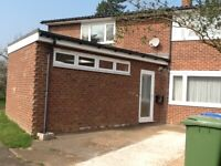 4 bedroom house in Longmead Road, Thames Ditton