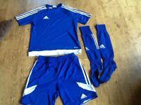 BOYS ADIDAS YOUTH SIZE XL 13-14 YEARS APPROX FOOTBALL KIT : MARINE BLUE TSHIRT, SHORTS & SOCKS
