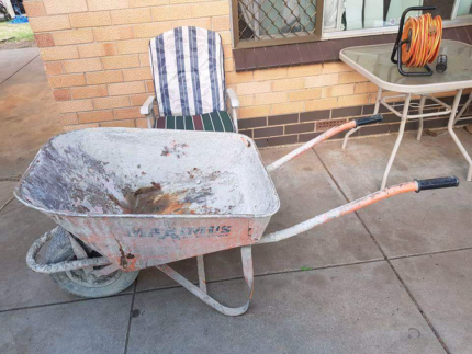Easymix wheelbarrow