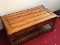 COFFEE TABLE - Reproduction WALNUT COFFEE TABLE