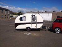 Yvonne Mostard vintage caravan