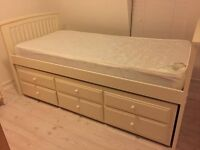 Julian Bowen Cabin Bed with second trundle bed under - great condition (includes mattresses)