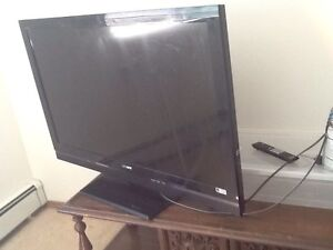 Sony Bravia 42 inch HDMI and red yellow white inputs