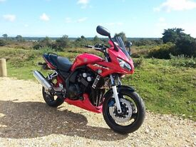 YAMAHA FZS600 2003 RED & BLACK GREAT CONDITION