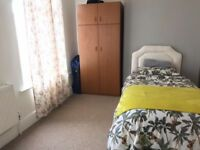 A double bedroom available to let