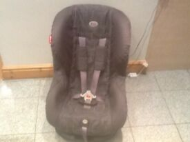 £35- Britax Eclipse Si --group 1 ca seat for 9kg to 18kg baby weight(9mths-4yrs)reclines,washed