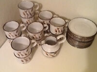Vintage crockery (Midwinter Wild Oats)