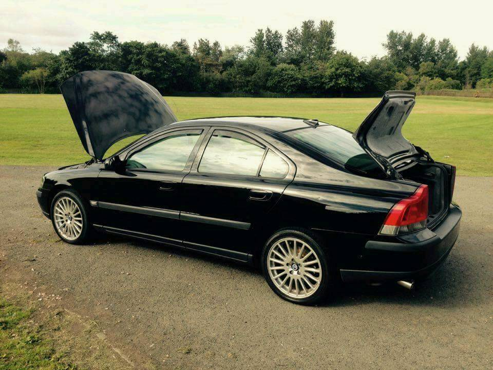 Volvo s60 2.0 turbo se ...READ AD ..... now spairs or repairs
